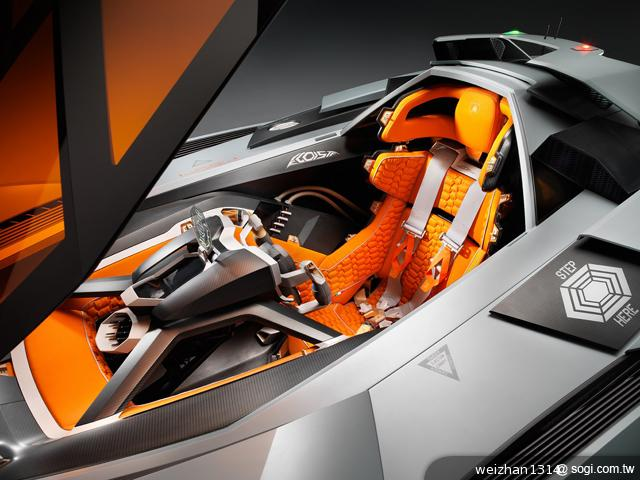 Lamborghini-Egoista-概念車-車艙