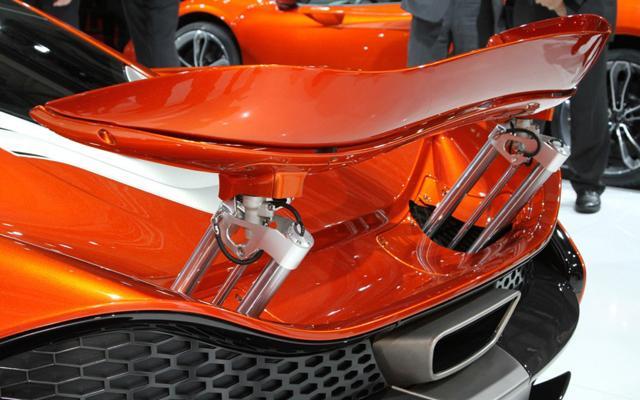 McLaren-P1™-尾翼