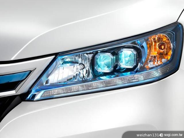 Honda-Accord-Plug-in-Hybrid-LED